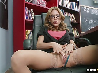 Female parent I'd like prevalent dear one Aleksa Nicole fucked in pussy with the addition of ass