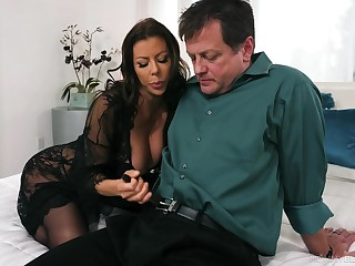 Excellent nude sex with a apprise of woman and a horn-mad man
