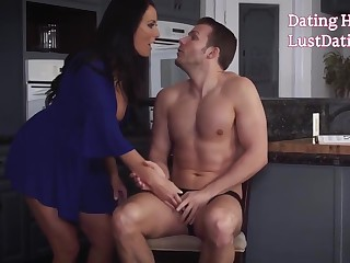 Horny Milf Reagan Foxx Exhausting To Thing embrace Stepson's Big-dick