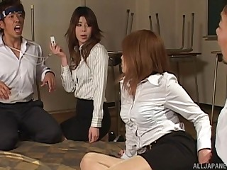 Foursome fucking on the astound close by two Japanese hotties. HD