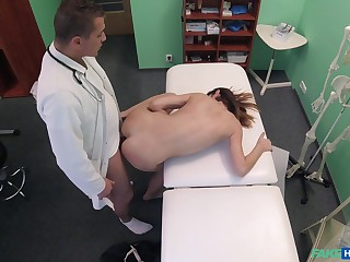 Doctor fucks young patient with an increment of records their way at hand secret