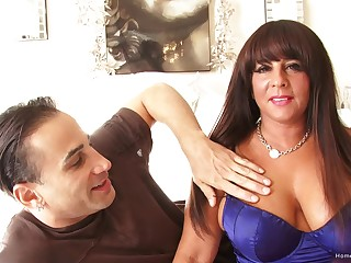 Thick abstruse MILF with huge tits takes his unearth deep